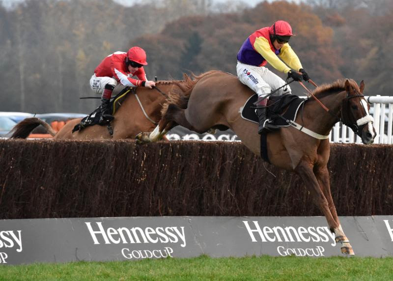 Native River Wins Hennessy Giold Cup 2016
