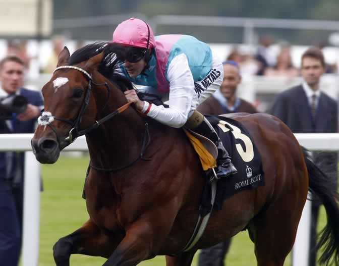 Frankel wins Queen Anne Stakes Royal Ascot 2012 by 11 lengths
